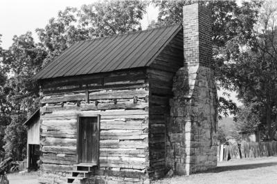 An old log cabin behind the Wilderness Road Regional Museum in Newbern, Virginia.