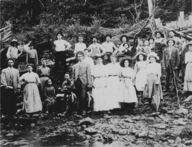 FISH FRY, CIRCA 1910 (Photo submitted by Eunice McAlexander. Picture belongs to Wilma Cockram.)