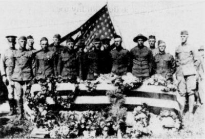 Body of Robert Goad, the second shipped back to Carroll County in W. W. II. The first body shipped back was Grover King. In front: Matt Webb, Cloud Cruise, Hobart is 4th from right, Harrison Padgett, Ed Ackers last.